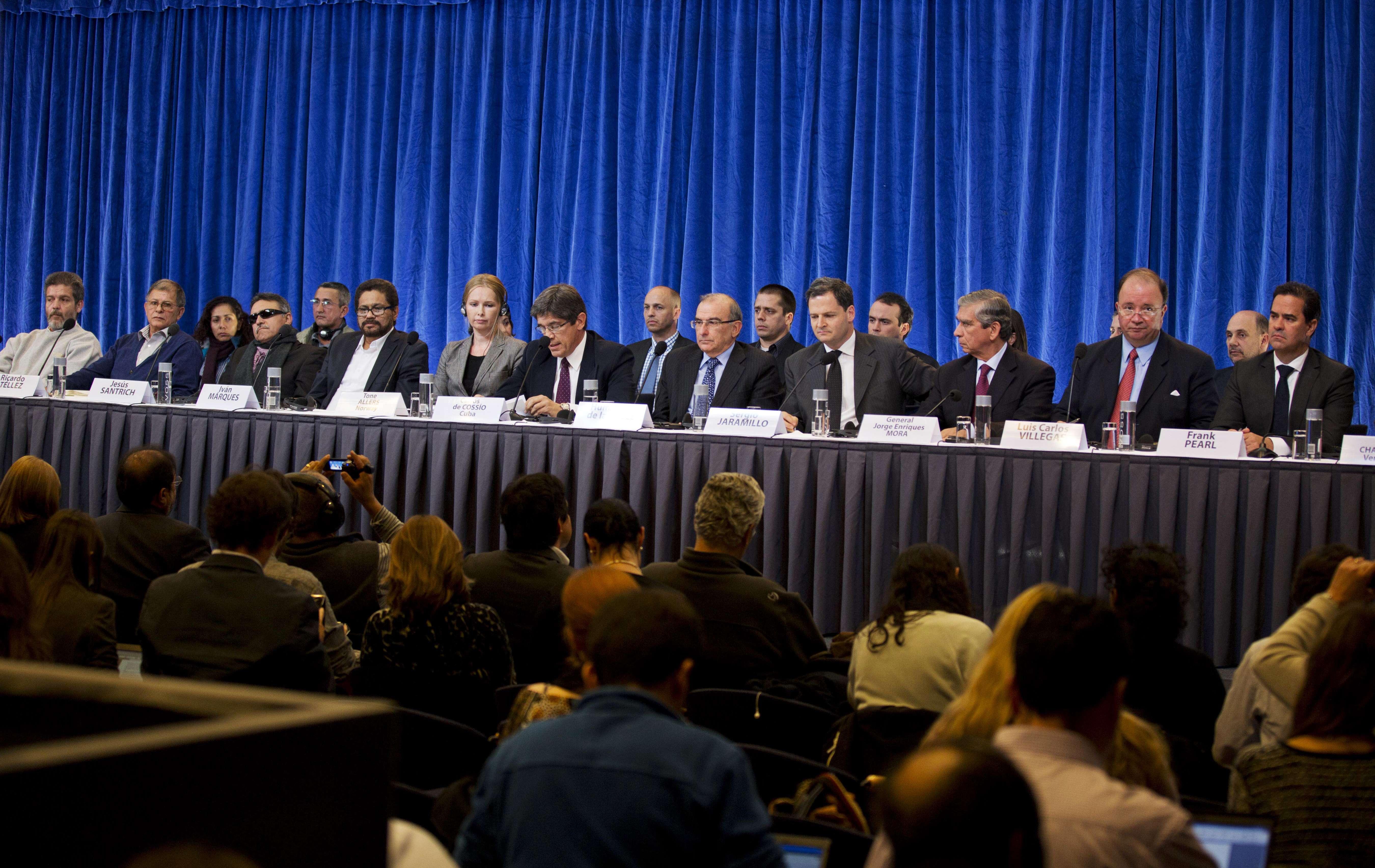 Negociadores del Gobierno buscan reanudar diálogos de paz
